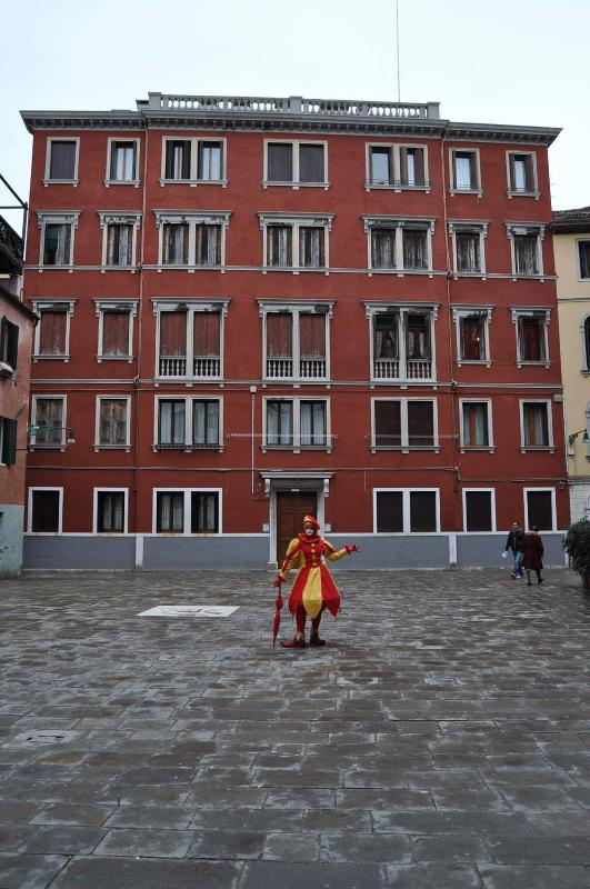 The building (pics and clothes by C. Barrere)