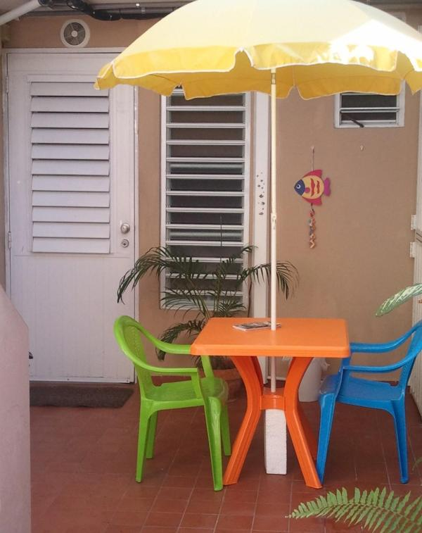 Studio's new outside table and chairs