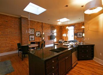 Luxurious Kitchen & Great Rm.