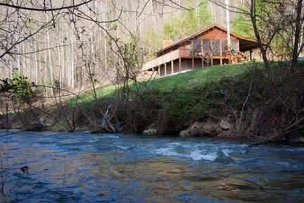 Creek View Cabin, A Cozy Peaceful Mountain Retreat – semesterbostad i North Carolina Mountains