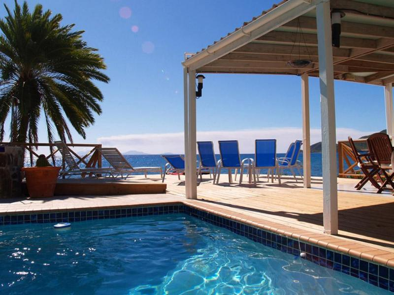 Shell Villa - 3 Bedroom Luxurious Oceanfront Villa overlooking Montserrat, holiday rental in All Saints