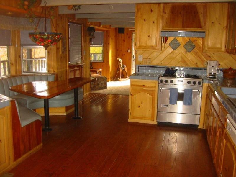 Big Bear: Moonridge Home Close to Mountain & Lake, location de vacances à Big Bear Region