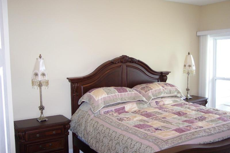 Master bedroom with King Bed with Winter Bedspread