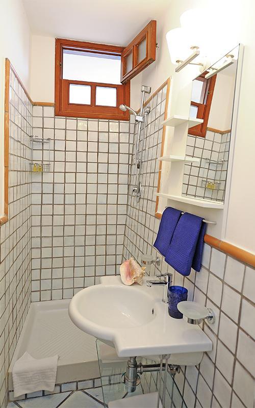 Limone - 2. Badezimmer mit Dusche