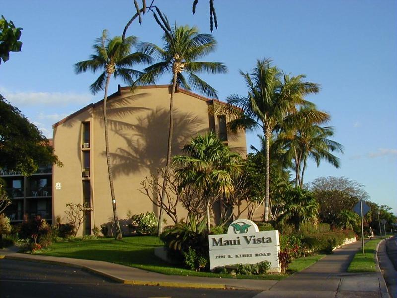 Ingang naar Maui Vista. Dit is mijn gebouw, nr 1. Office is ook de begane grond