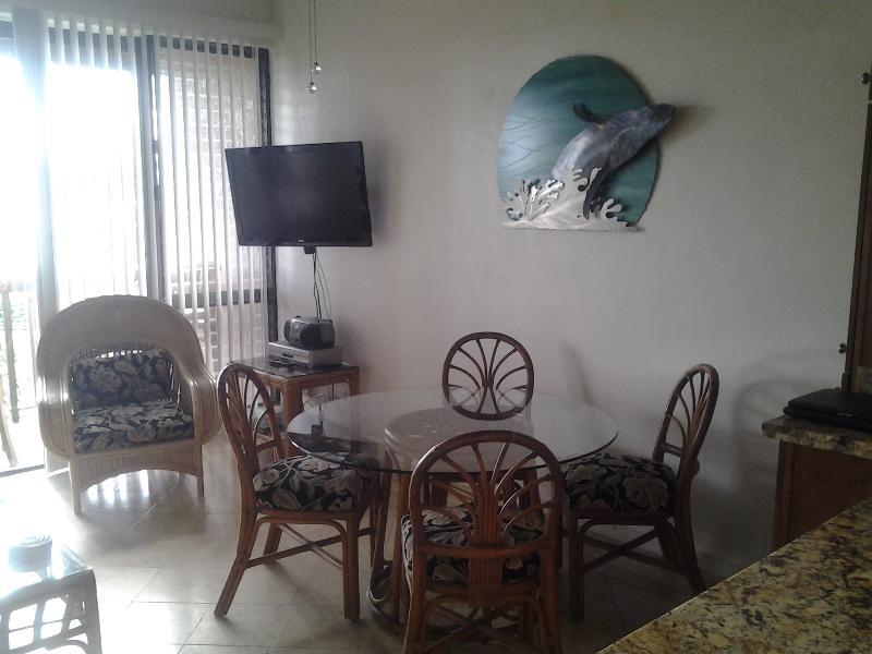 Voorkamer - walvis door Vigallon. Een van zijn vroege werken