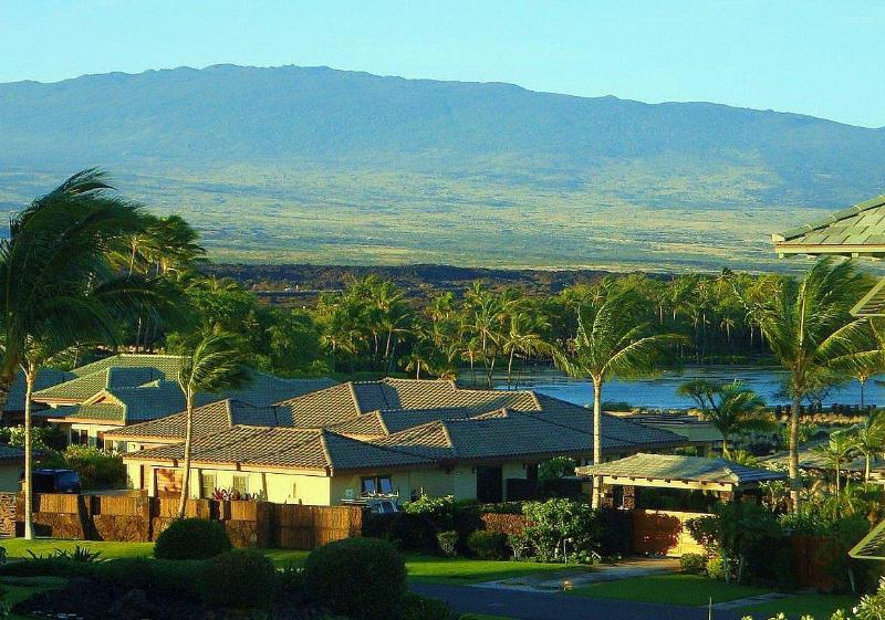 Lanai View of water and mountain.JPG
