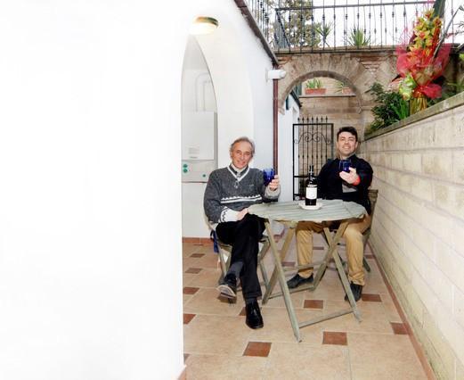 Maurizio & Riccardo in entrance alley
