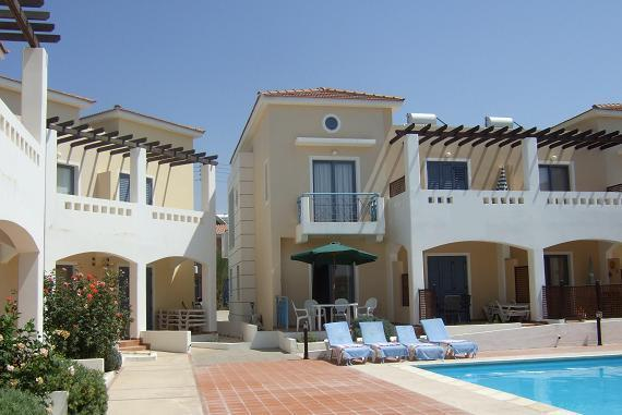 Holiday Villa with Pool to Rent Zeus Gardens in Paphos Cyprus near Tourist Area, vacation rental in Paphos