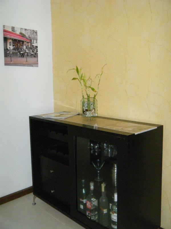 Little bar cabinet