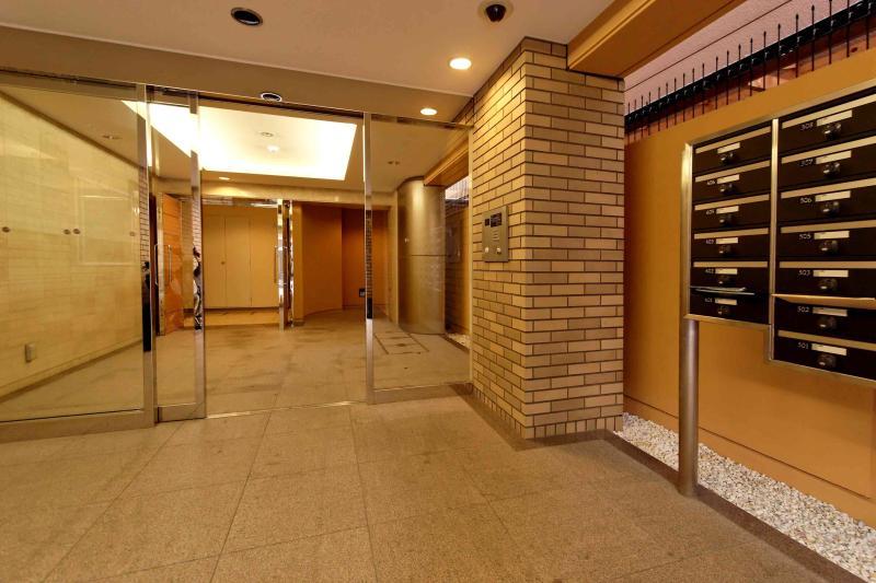 exterior entrance 03