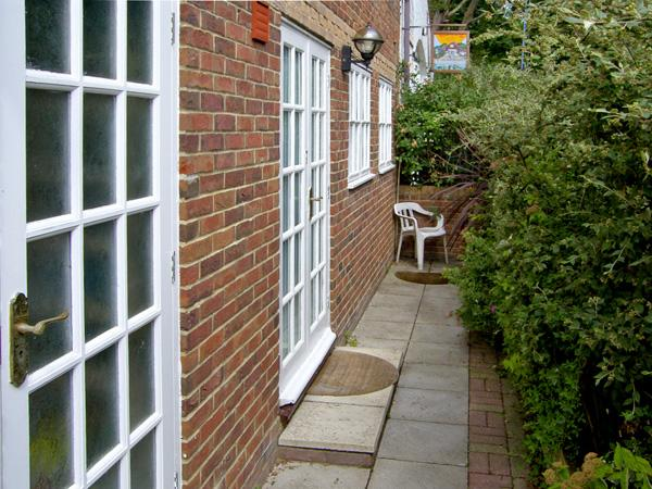 SAIL LOFT ANNEXE, pet friendly in Yarmouth, Isle Of Wight, Ref 4222, vacation rental in Norton