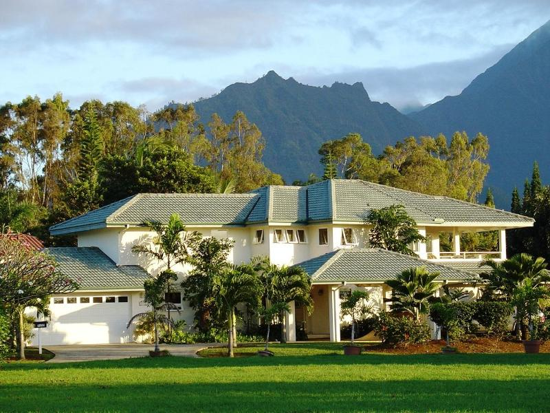 Rainbows, Waterfalls, Sunset Views.  Pool & Tennis, vacation rental in Princeville