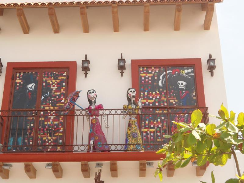 Beautés sur un balcon