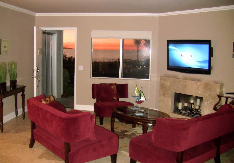 Watch the 46 inch flat screen HDTV or enjoy the turquoise blue ocean view!