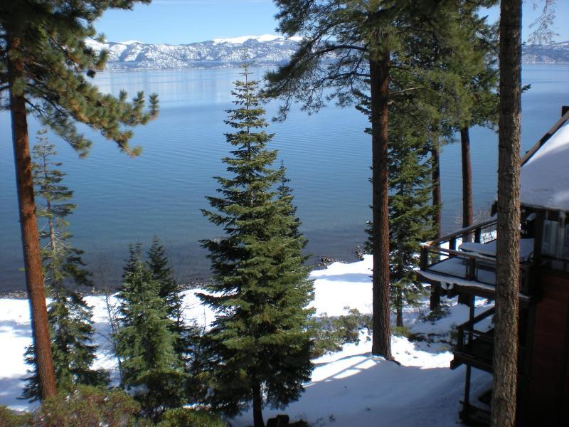Vista sul lago, guardando a sud-est dal ponte