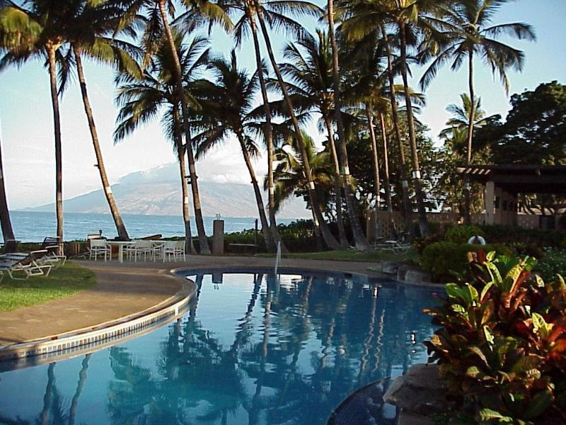 Maui Rendezvous Wailea Ekahi 33A Luxury Resort, Beach-3 min walk, Remodeled, holiday rental in Wailea