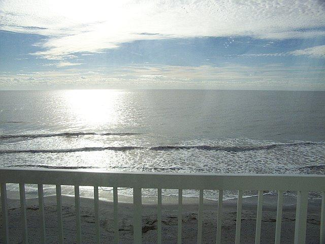 BALCONY VIEW OF OCEAN