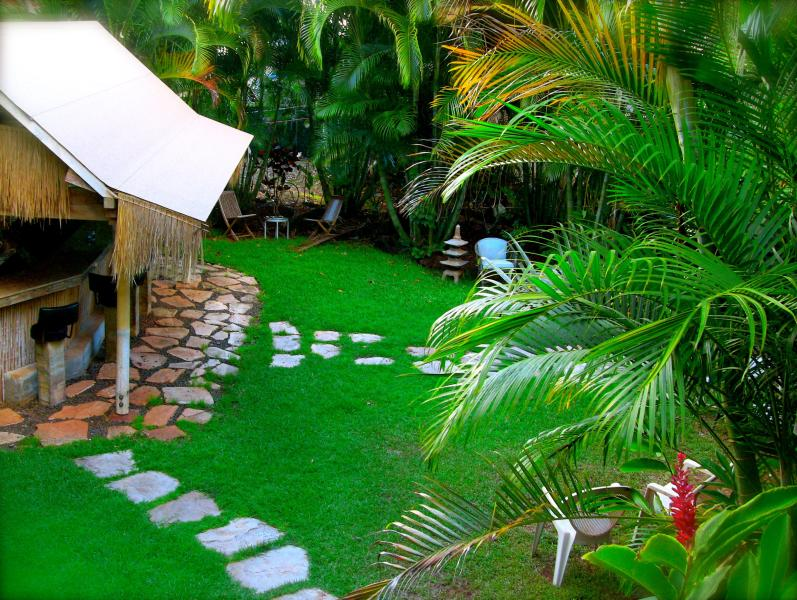 22' Outdoor Tiki Bar with Built In BBQ!  Tropical Fun in Paradise!