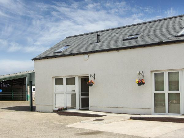THE LOFT, pet friendly, shared hot tub, in Annan, holiday rental in Bowness on Solway