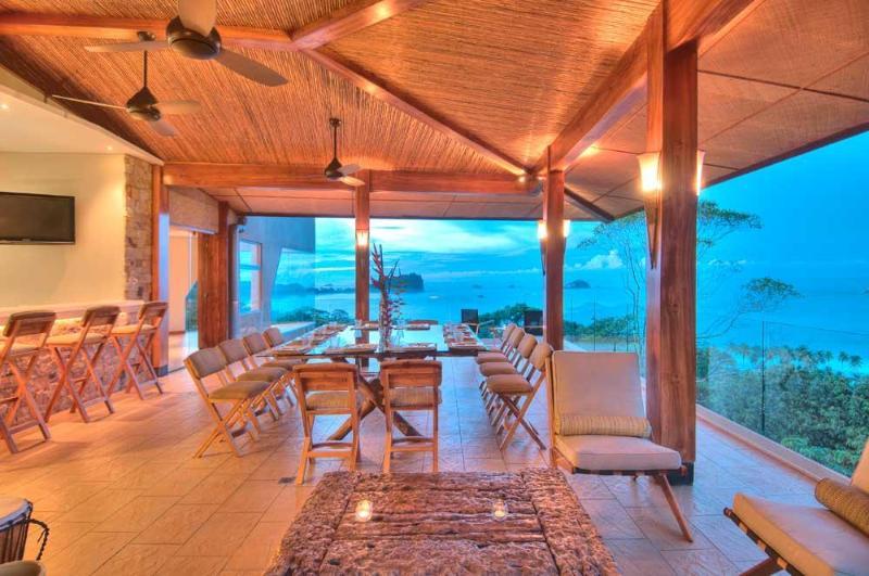 Villa Punto de Vista - Dinning Terrace/Bar  with expansive ocean Views!