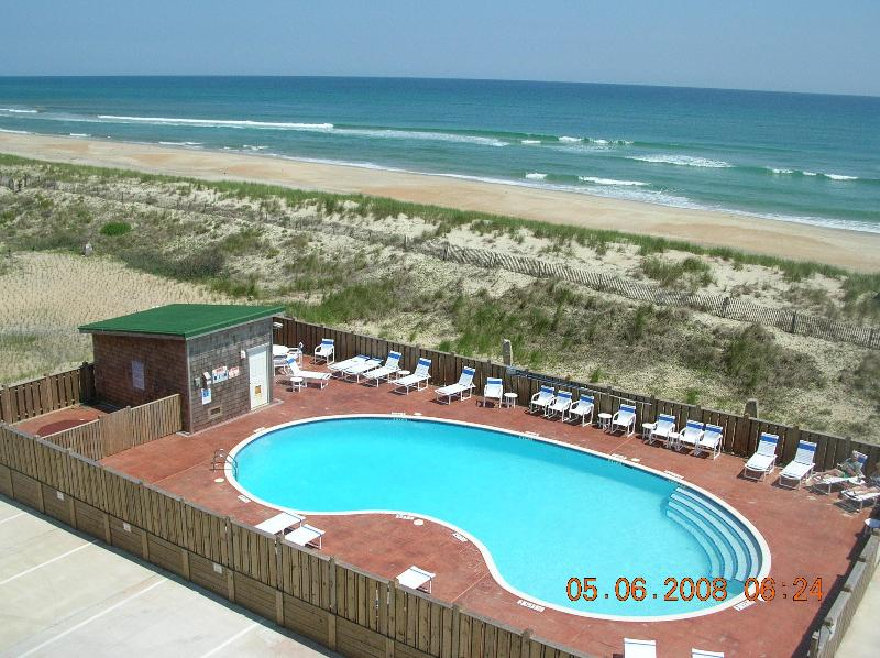 Hatteras Island Top Floor Oceanfront Condo 2 BR 2 Bath, location de vacances à Hatteras