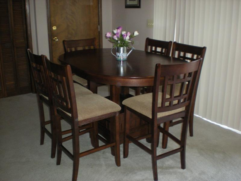 DINING AREA WITH HIGH TABLE FOR SIX