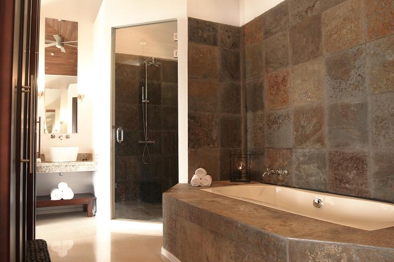 Exotica Master Suite bathroom