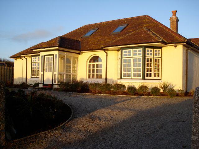 1920's Villa 'Summer Lodge', The Lizard, Cornwall, holiday rental in The Lizard