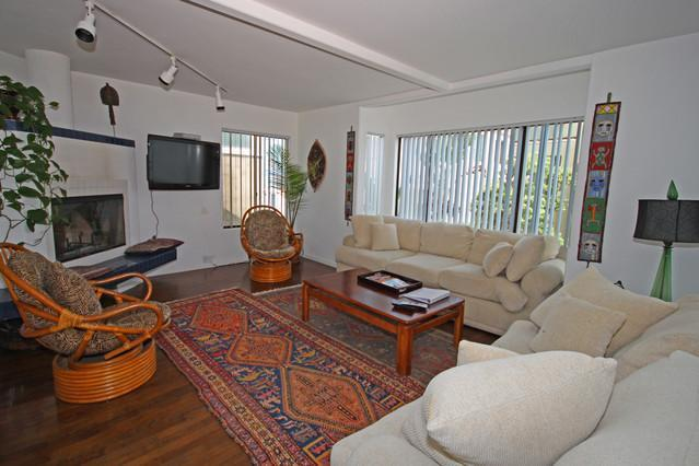 Single Family Home with garage- 30-Seconds from your Bed to the Beach!, holiday rental in San Diego