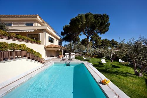 Luxury villa on Sorrento's hills, alquiler vacacional en Priora