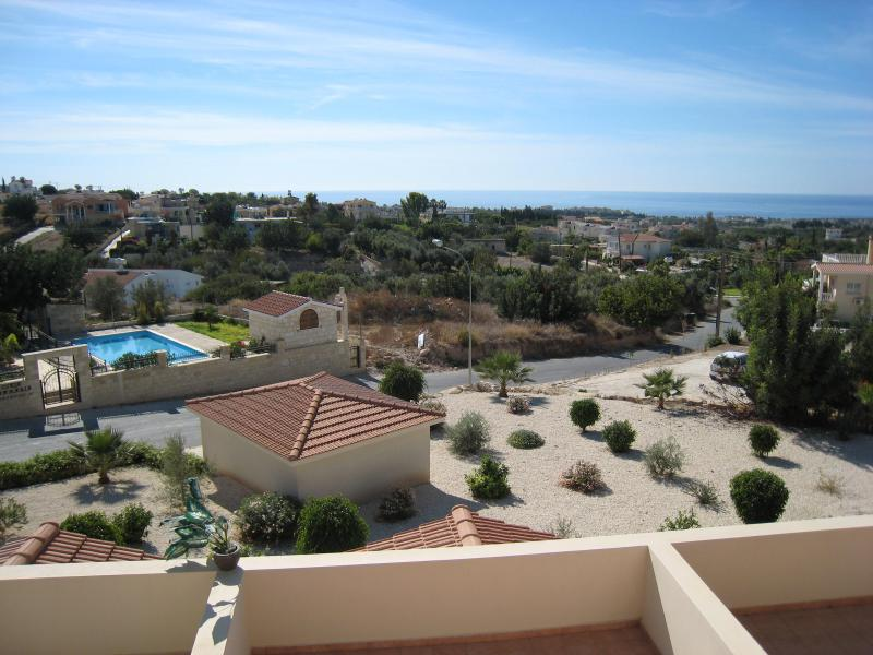 2 Bed Apartment Fantastic Seaview in Peyia/Pegia, vacation rental in Peyia