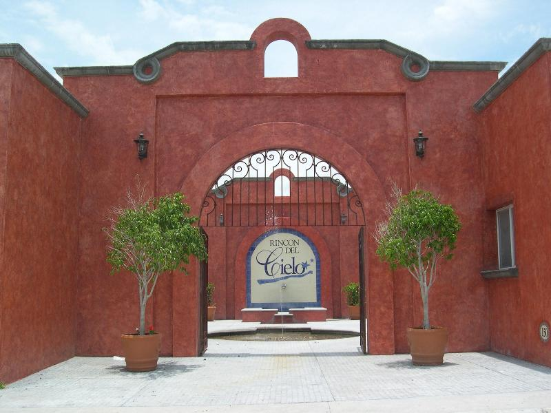 Main entrance to the complex