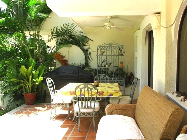 Patio to the Right