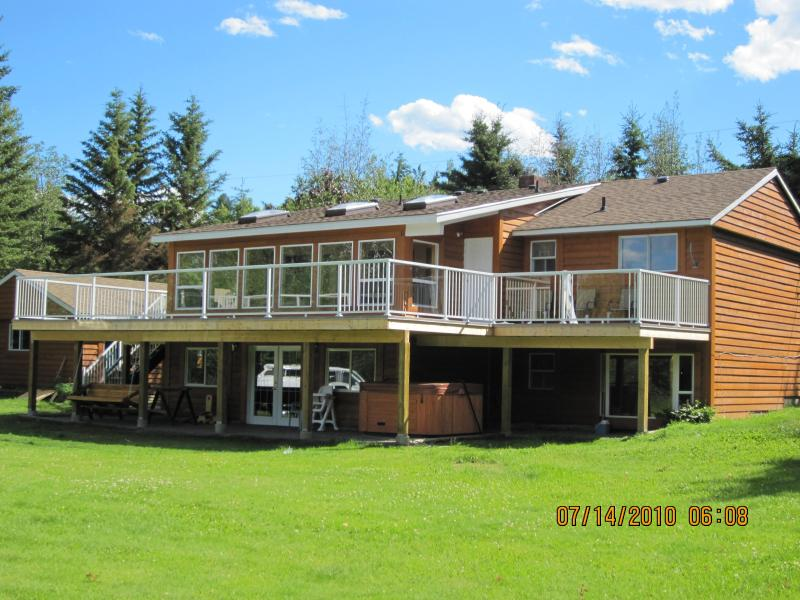 Cariboo Vacation Home   (Lakefront)