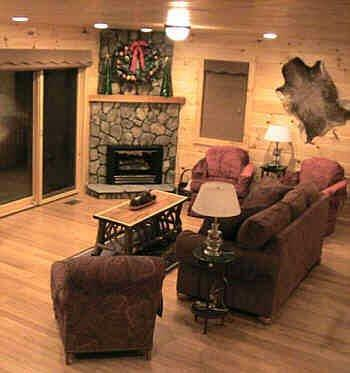 Kom besteden de vakantie hier! Mooie log hout binnen en buiten. Zebra hardhouten vloeren.