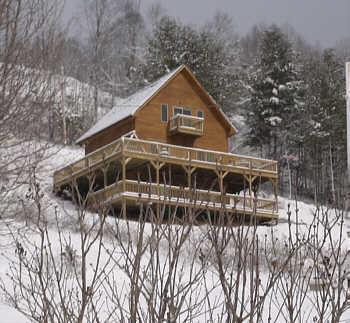 Lekker liggen ... Cabin ligt op het zuiden met verharde wegen, dus sneeuw smelt snel gemakkelijke toegang tot de weg