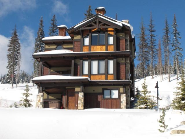 Big White accommodation chalets for rent in Big White apartments to rent in Big White holiday homes to rent in Big White