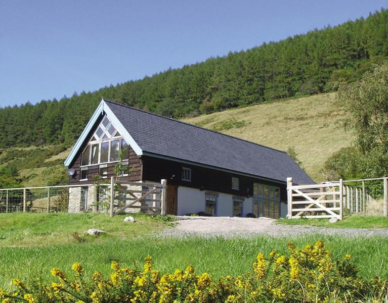 Cwm Broadwell Barn