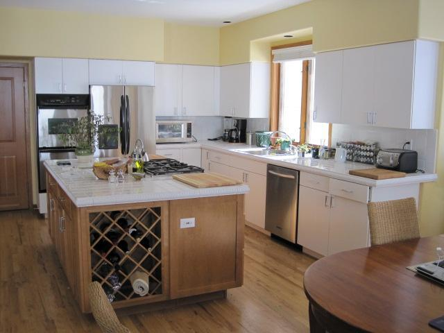 spacious kitchen for your use