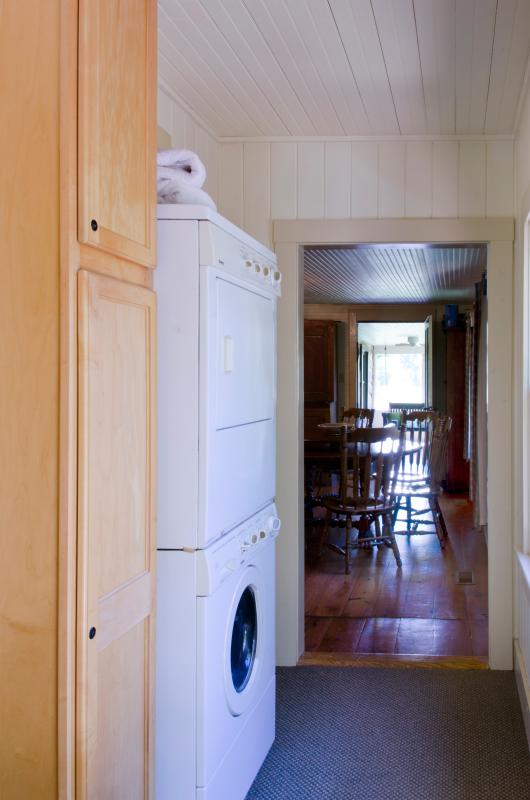 Hall with washer & dryer