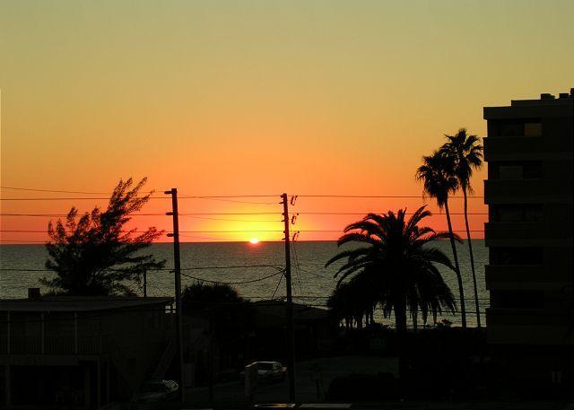 Bay Mariner Condominium 115, vacation rental in Indian Shores