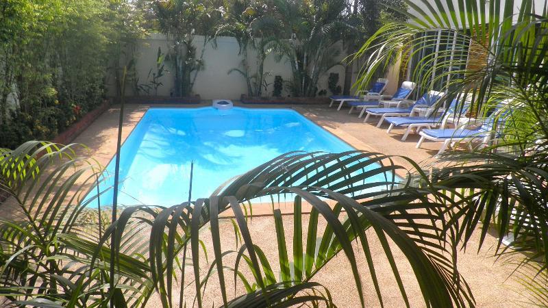 Große Villa mit eigenem Pool, tolle Lage!