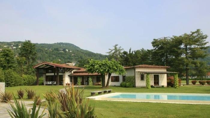 Villa Divertido Lake Maggiore villa rental, villa to hire in Lake Maggiore, Ital, vacation rental in Solcio