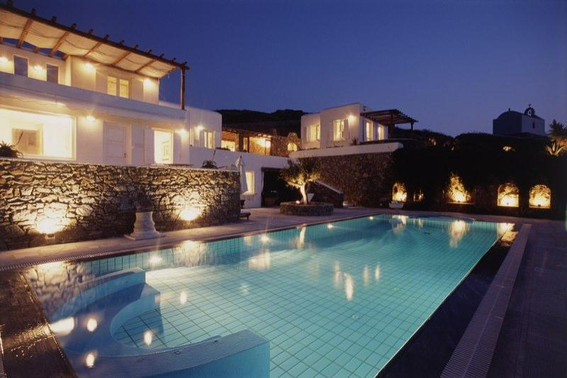Villa Galaxy and pool view by night: A different Villa Galaxy Experience!