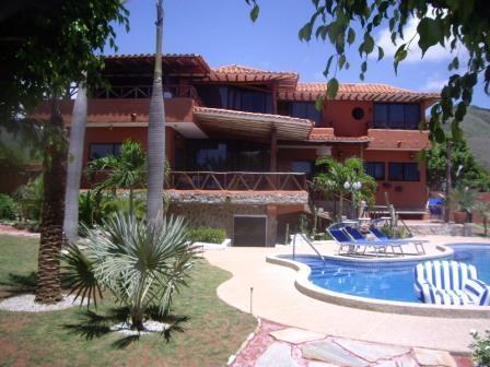 Villa and Pool from the left side