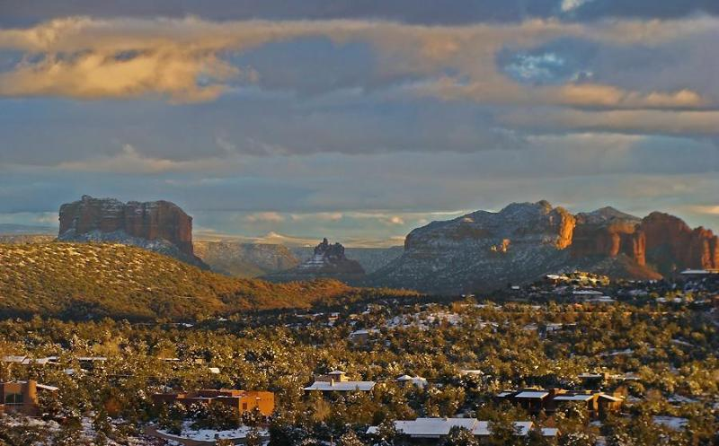 And to the south, a panorama of Sedona's most famous rocks--Courthouse, Bell & Cathedral