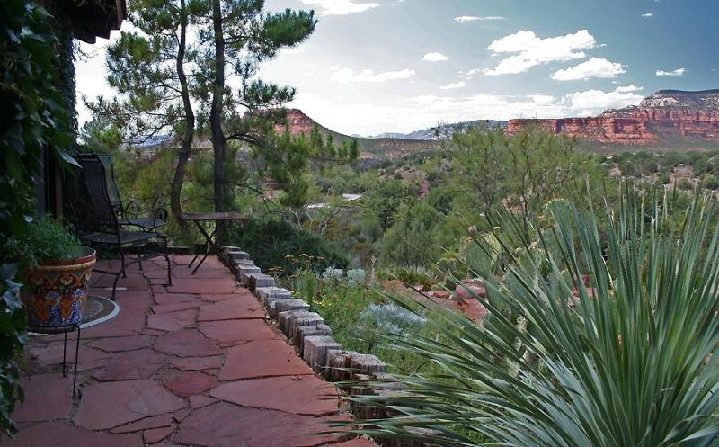 From the bedroom terrace, peaceful panoramic vistas to the west and north
