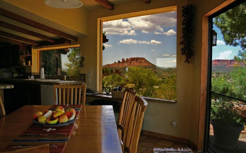 From the dining area are views of Red Rock Country virtually in all directions