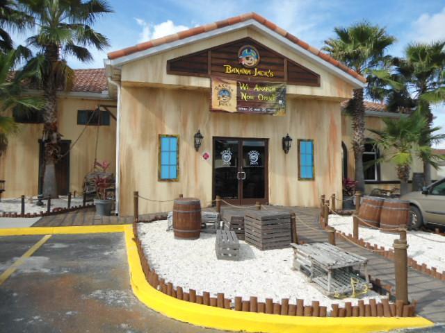 Banana Jack Front Entry